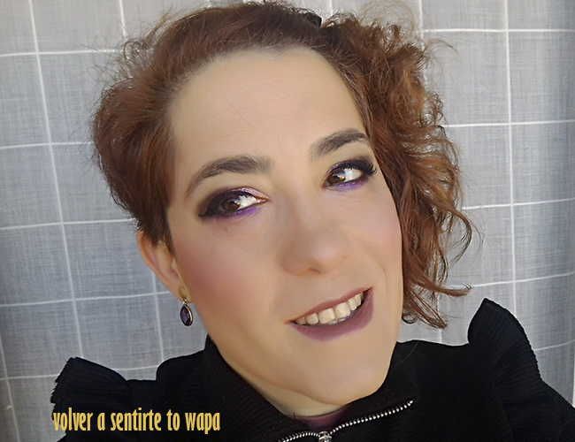 Maquillaje degradado en morado y borgoña con productos de City Color