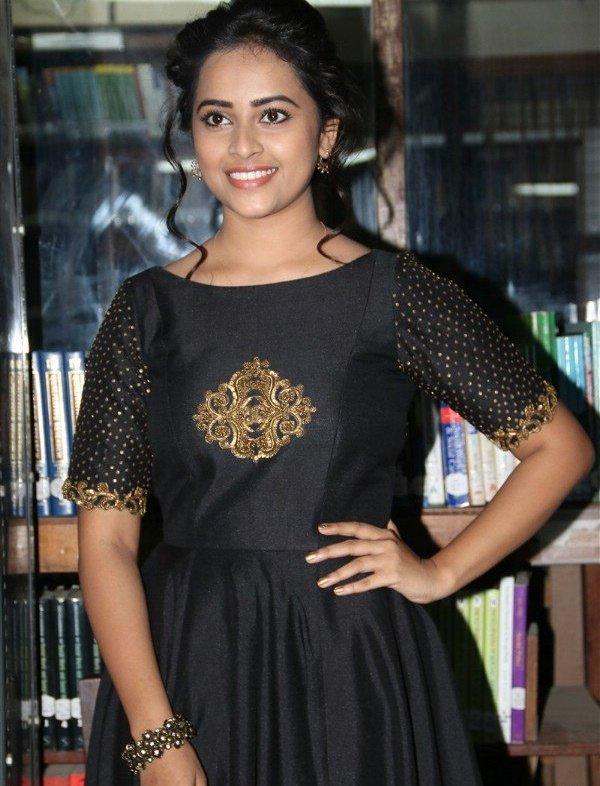 Maaveeran Kittu actress Sri Divya Latest Photos