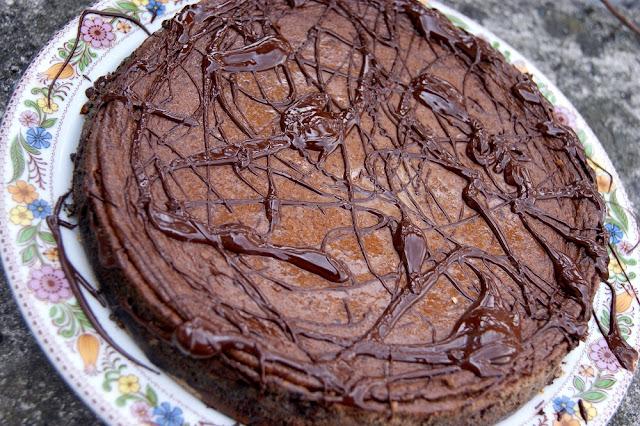 zdrowy sernik czekoladowy na mleku kokosowym