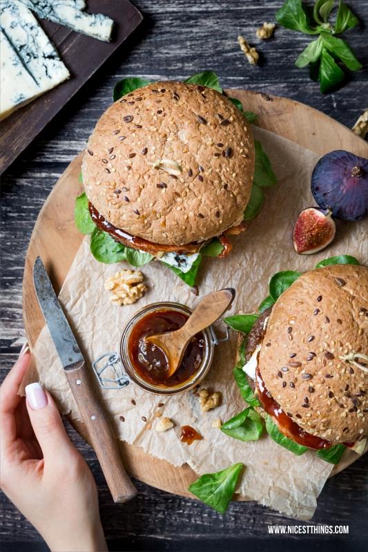 Herbst Burger Rezept mit Gorgonzola, Walnusspesto, Feigen, Beef Patty und Bacon