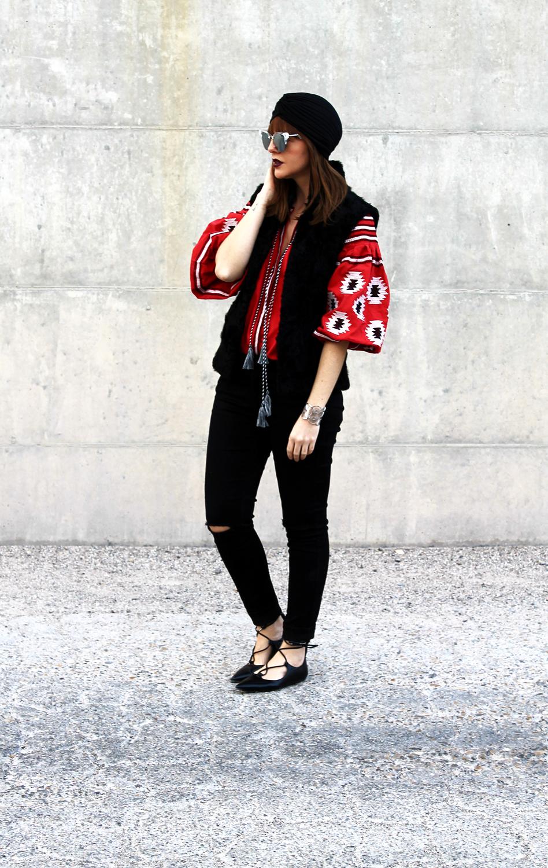 3-jeans-neri-only-ballerine-camicia-maniche-palloncino-turbante