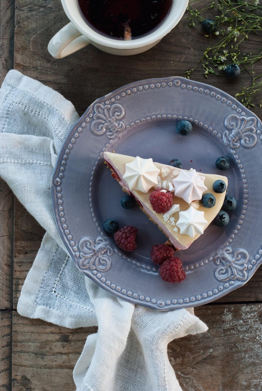 Jogurtowa pianka malinowa z białą czekoladą