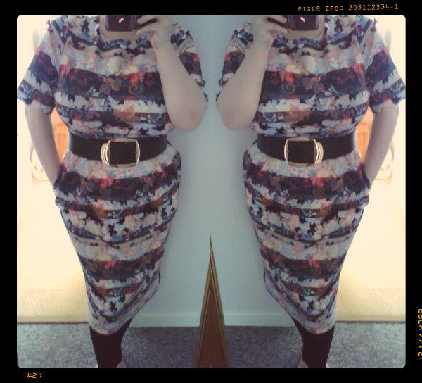 plus size blogger wearing asos paisley wiggle dress and wide belt