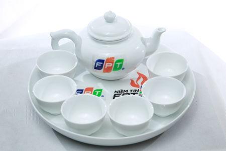 Qua Tang Am Tra FPT - www.fptquan12.com