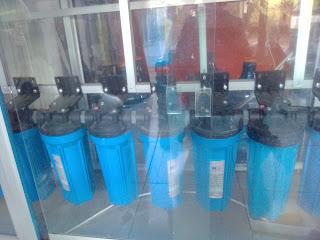 Air minum merupakan kebutuhan paling penting bagi masyarakat modern, sehingga enggak bingung bila permintaan akan produk ini terus meningkat dari bulan ke bulan. Meski demikian kompetisi bisnis dibidang ini cukup ketat. Salah satu emiten produsen air minum dalam kemasan, yaitu Depot Air Mineral Azzam mencoba bertahan di bisnis ini.