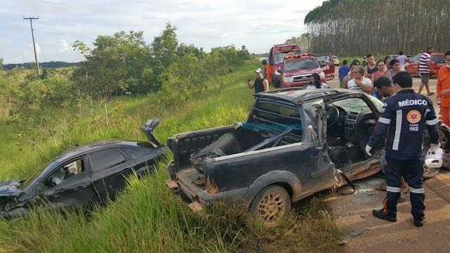 Mãe fica gravemente ferida após bater violentamente em outro veículo, na batida descobre que era seu filho o condutor outro