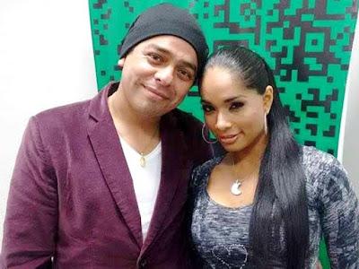Foto de Johany Vega con su pareja