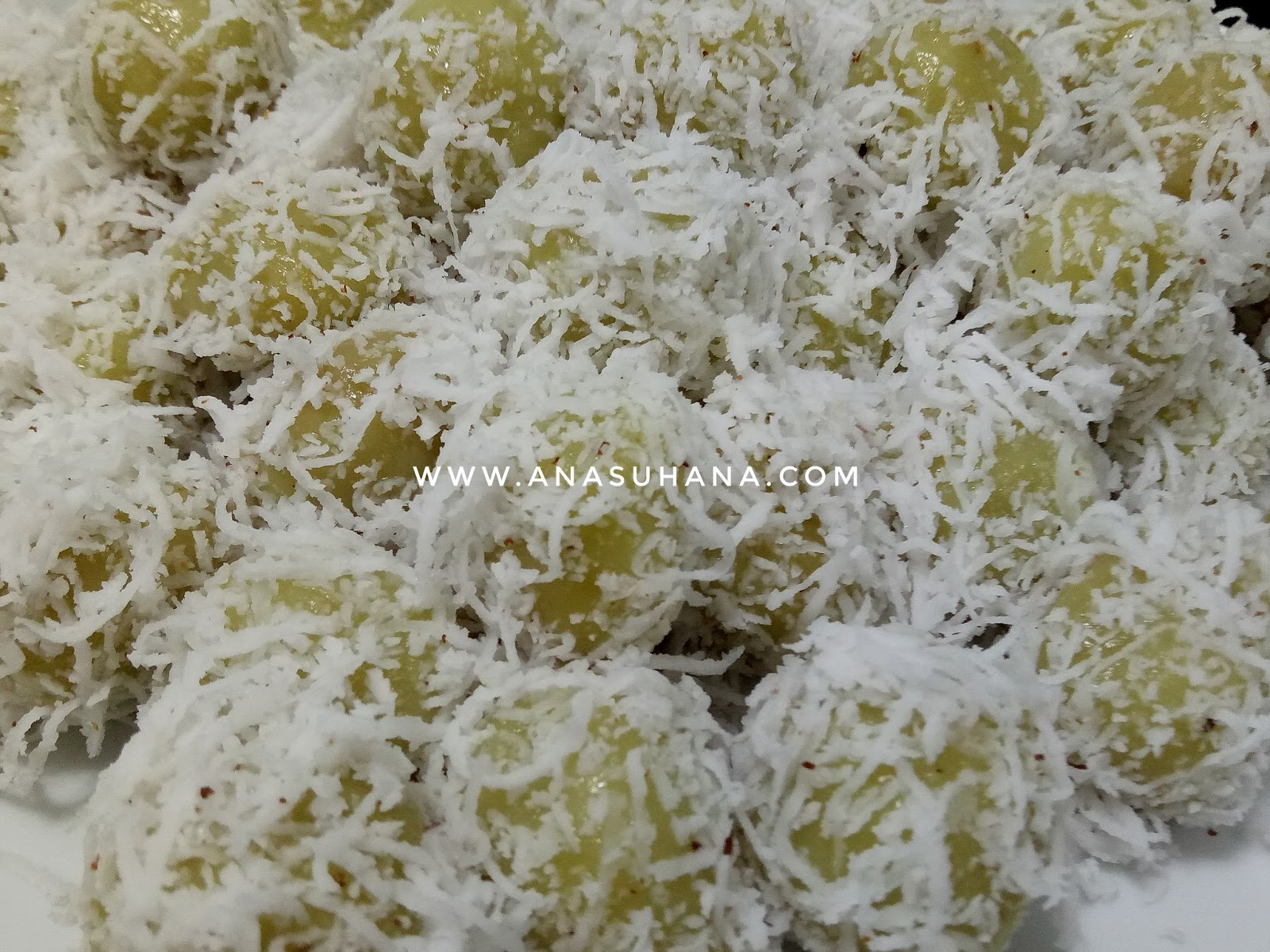 Resepi Onde-onde Gula Melaka Tanpa Pewarna Makanan Mudah dan Sedap