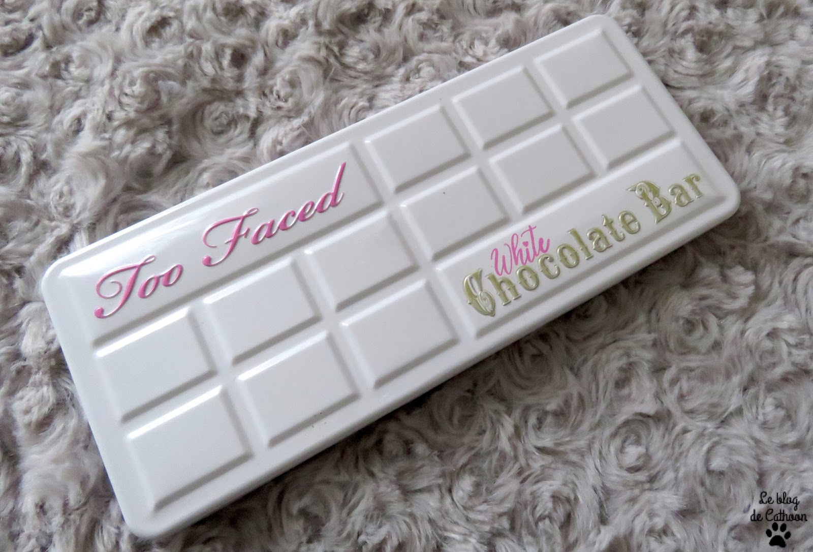 make up white chocolate Bar Too Faced