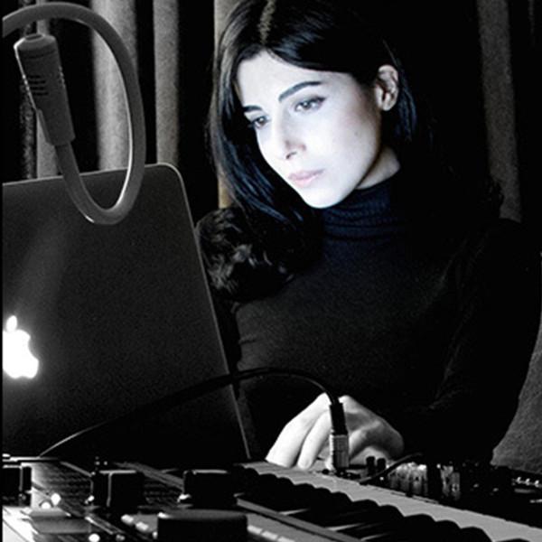 Hier is Narcissa Kasraï