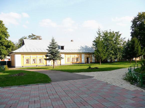 Чернигов. Елецкий монастырь. Восточный корпус келий. XVII в.