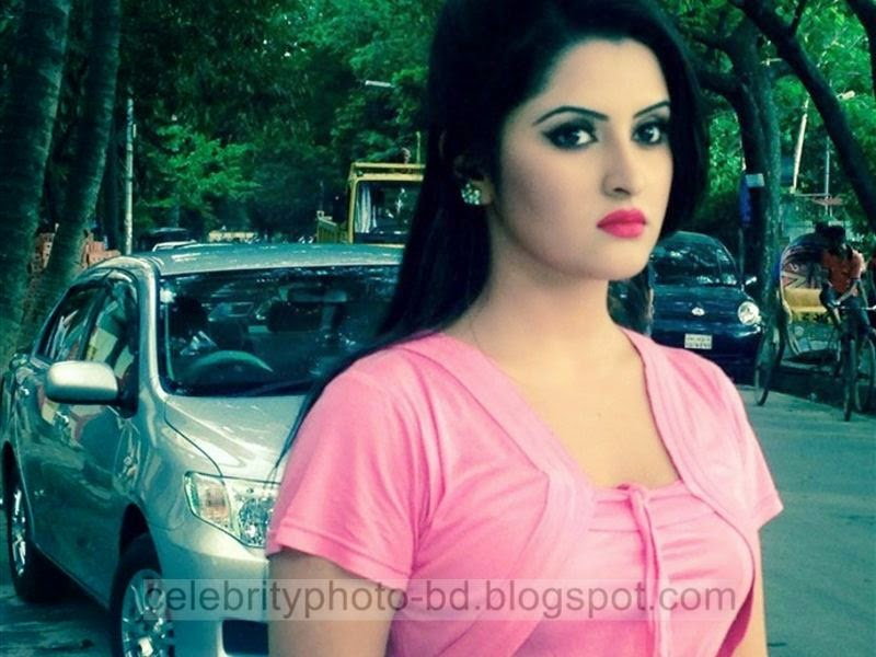 Expo Photos Of Young BD Actress Pori Moni's Latest Collection In Tight Skirt And Tops Dress