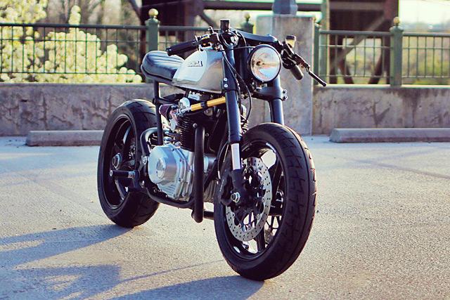 Honda CB350 độ Cafe Racer của con nhà có điều kiện