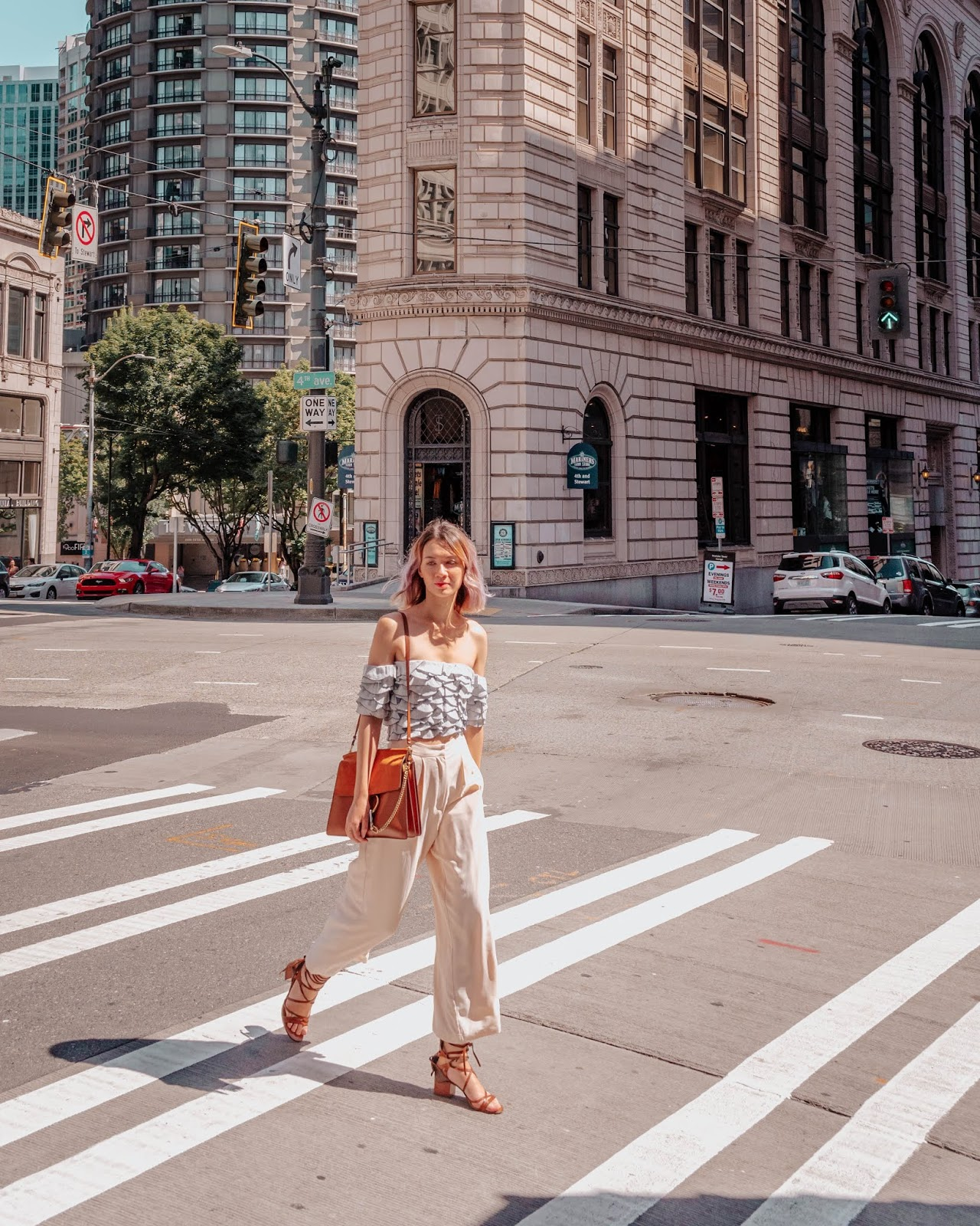 seattle, pike place, travel guide, things to do, travel blogger, travel girl, fashion blogger, mermaid top, club monaco, chloe faye, chriselle x joa