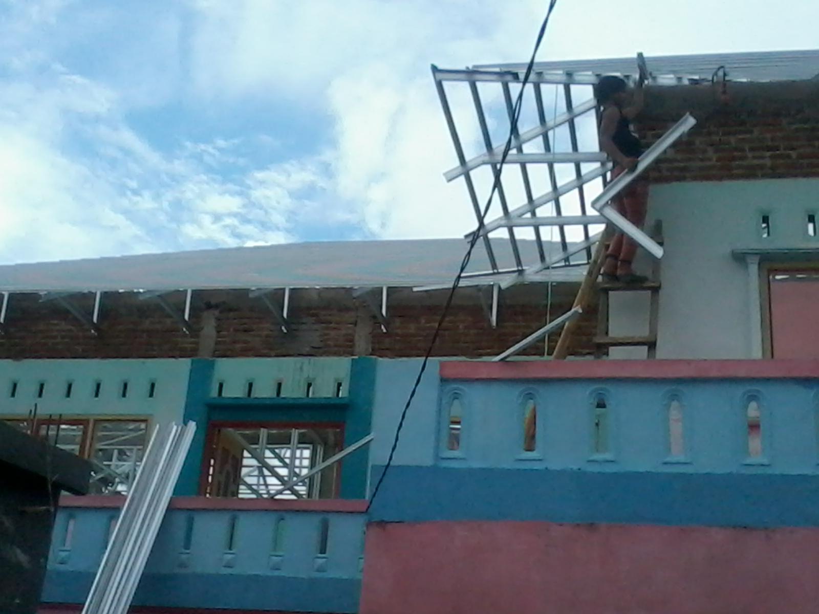 kanopi baja ringan vs kayu mega raya truss tasikmalaya: pasang atap untuk ...