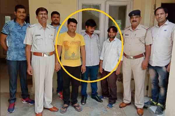 faridabad-sector-56-cia-arrested-three-shatir-chor-looting-giving-lift