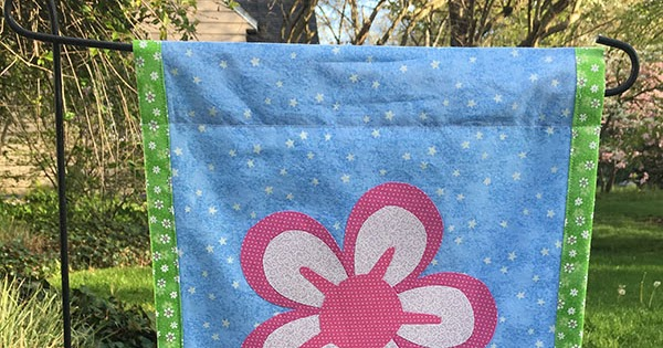 Mother S Day Garden Flag Tutorial The Kim Six Fix