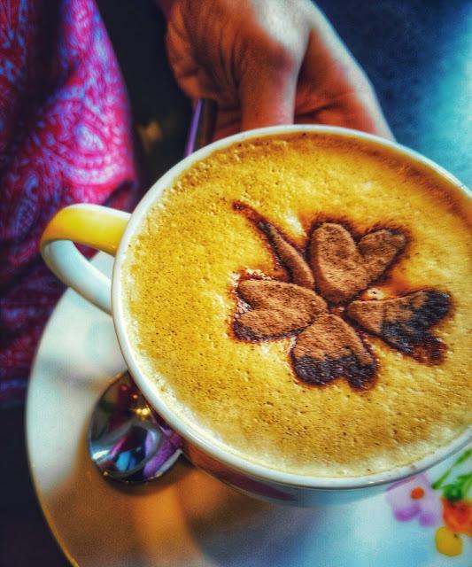shamrock pattern on a coffee,