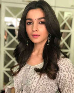 alia-bhatt-wiki-biography-height-weight-husband-family
