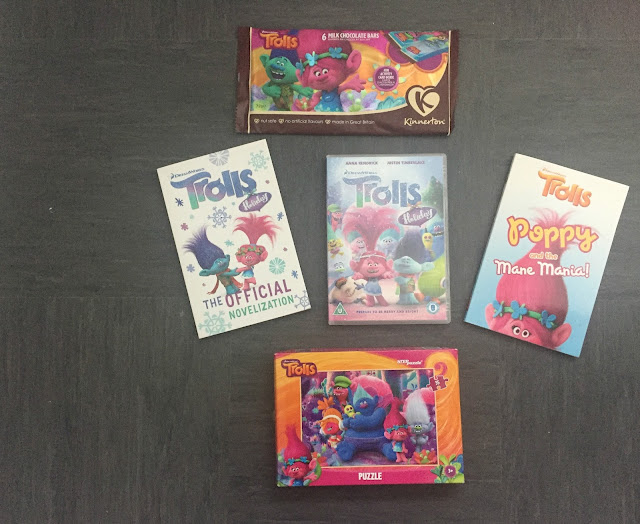 Trolls bundle of books, jigsaws and dvd