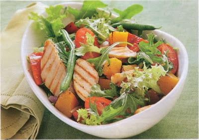 Salată de pui cu legume