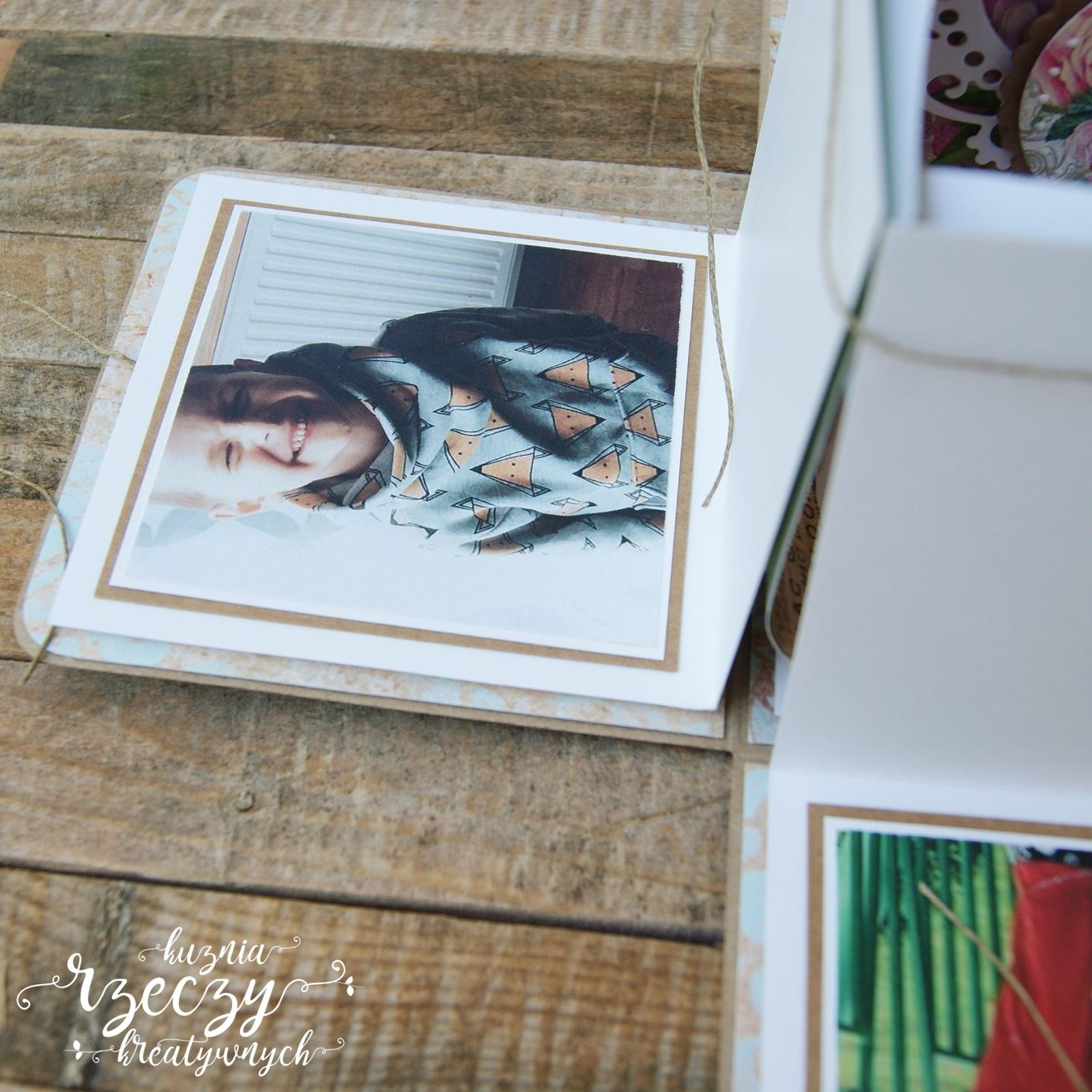 Kolorowy exploding box ze zdjęciami z okazji imienin. Imieninowy exploding box.
