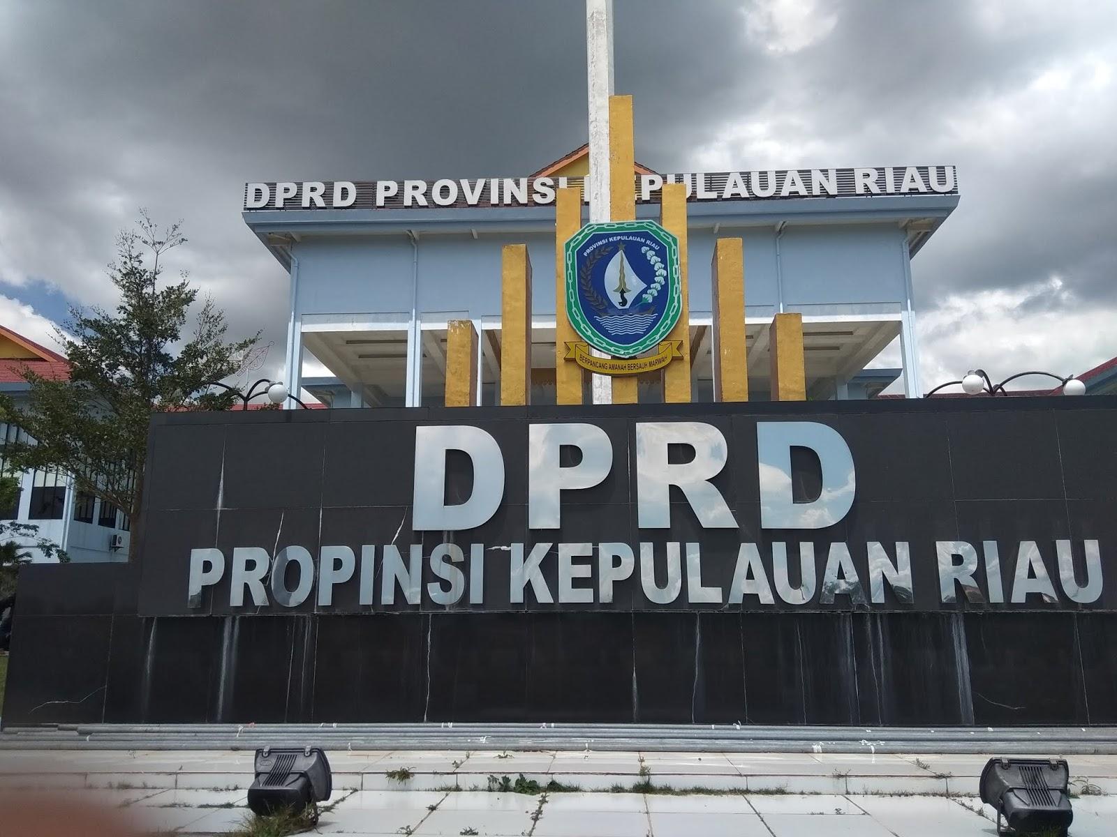 Image result for kantor dprd provinsi kepri