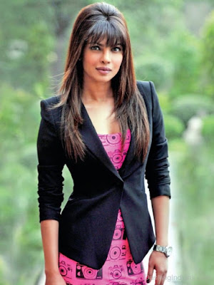 Priyanka Chopra proved in many events that she can pull of just any look, any dress.