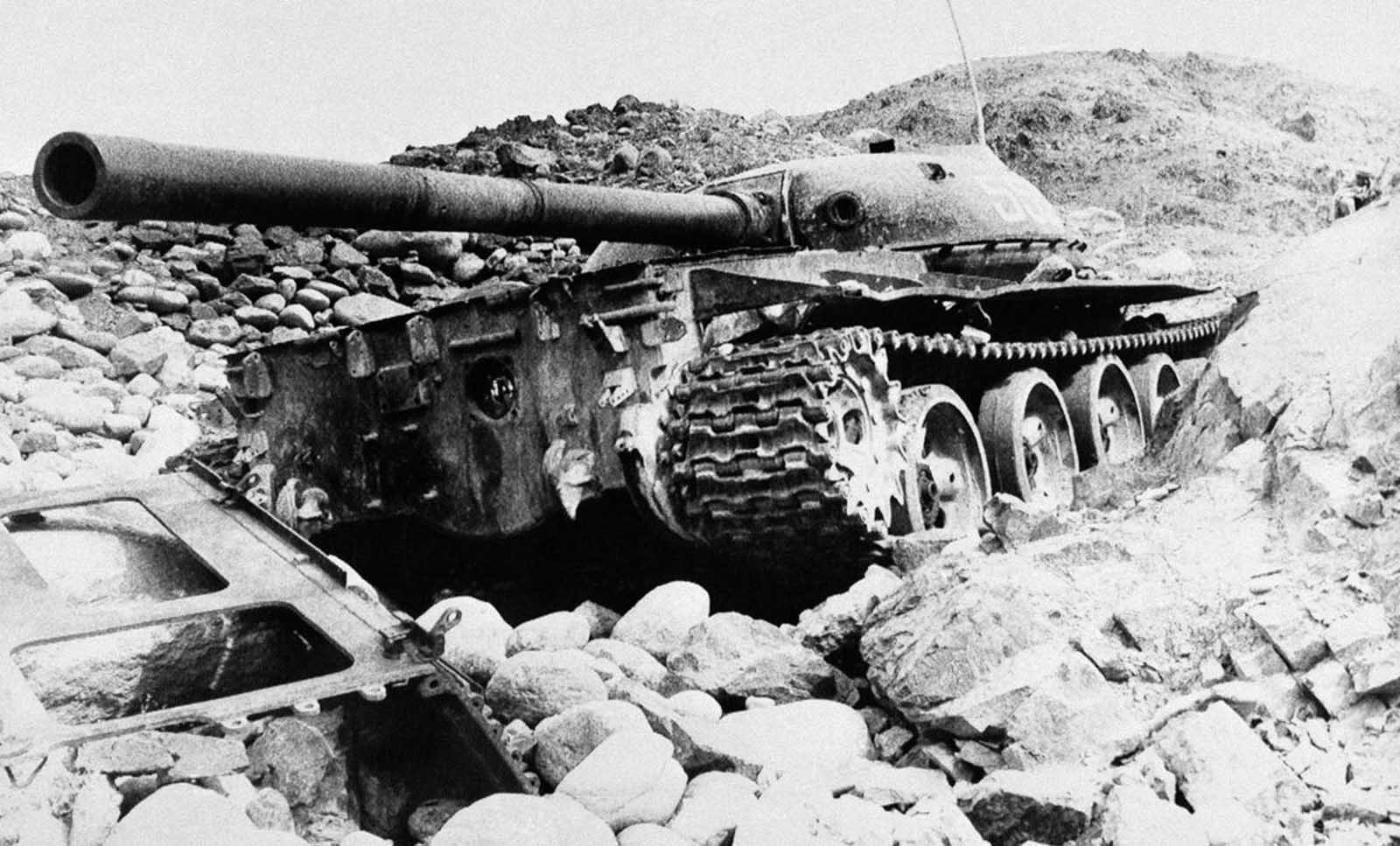 A Russian T-62 Commando tank destroyed in the Panjshir River Valley in Parwan Valley about 180 km north of Kabul, on February 25, 1981.