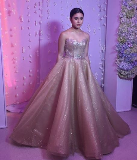 Claudia Barretto wows everyone with a mesmerizing gown she wore on ...