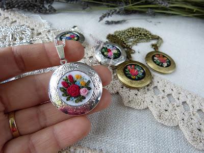 sekretnik, haftowany, wyszywany, hafciarstwo, embroidery, sekretnik z haftem, biżuteria w stylu vintage, retro biżuteria,