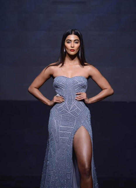 Pooja Hegde latest Hot Stills