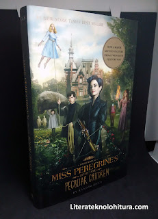 miss peregrine's home for peculiar children front cover