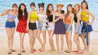 (4.38 MB) Download Lagu TWICE - Dejavu.mp3