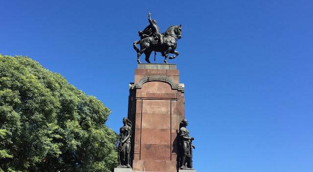 Statue in Recoleta