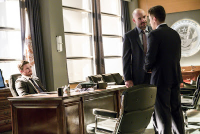 Arrow 5x18 Disbanded Oliver Queen Adrian Chase Quentin Lance promo pic