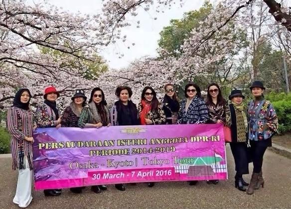 Foto Istri-Istri Anggota DPR Pelesiran ke Jepang