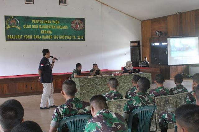 Prajurit Yonif Para Raider 502 Kostrad Terima Penyuluhan P4GN