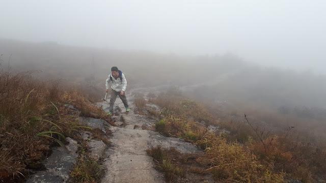 leo núi lảo thẩn