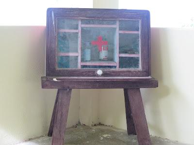 Botiquín de reanimación en Wat Ban Tham