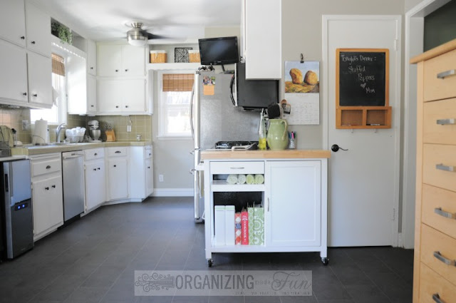 Black, vinyl flooring :: OrganizingMadeFun.com