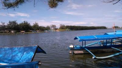 pesona laguna pantai glagah indah yogyakarta