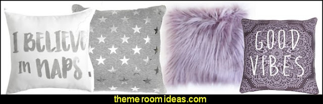 dorm room decor - dorm room decorating - dorm room themes - college dorm room ideas - Back to school - college dorm room supplies - college dorm room ideas - shopping for college - college dorm room decorating ideas - space saving solutions - Graduation gifts -