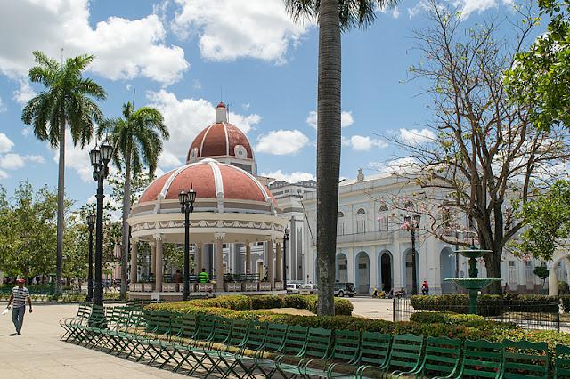 L parc José Martí dans le centre de Cienfuegos