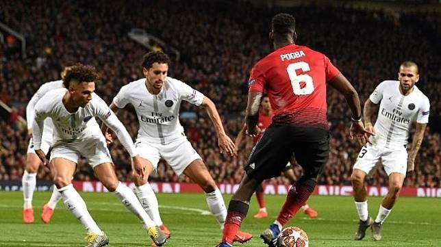 Suporter Bikin Ulah, PSG dan Man United Didenda UEFA