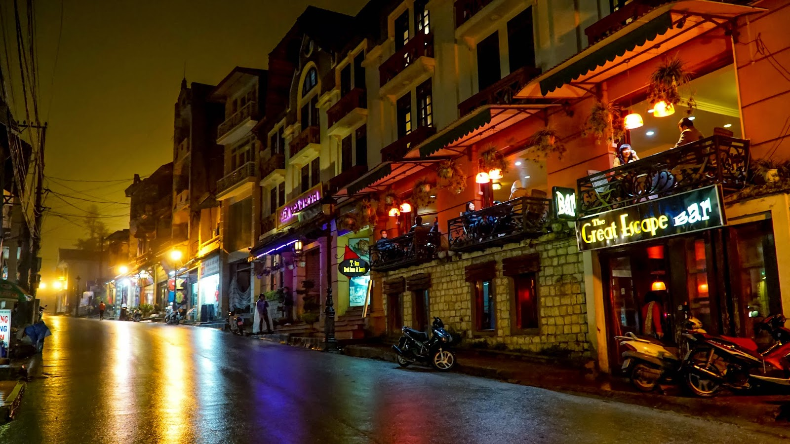Sapa town centre at night