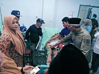 Didampingi Wabup, Bupati Sambangi Korban Insiden Sape di RSUD Bima