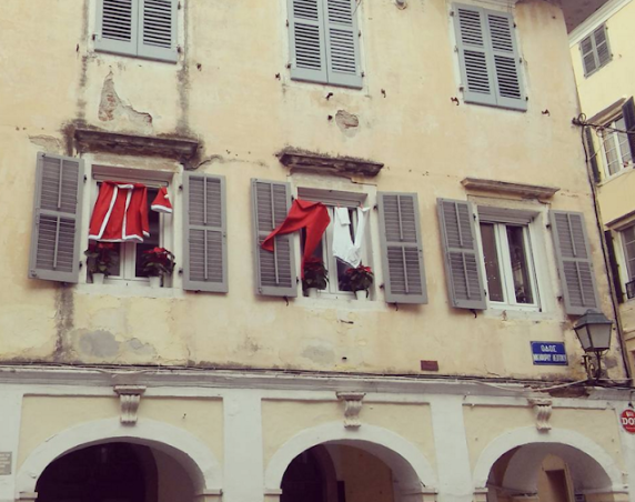 44d9c0c2a5b4 A dear old school friend posted this adorable photo on FB this evening.  Some good Samaritan in Corfu town hangs out Father Christmas  suit every  December ...
