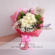handbouquet mawar putih