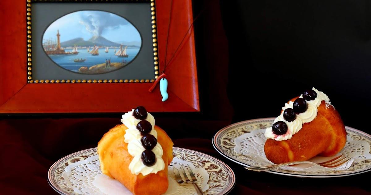 Die süße Seele Neapels: Babà napoletani con crema chantilly e amarene